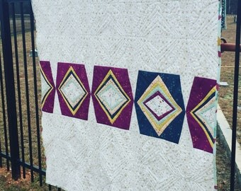 Winking Lantern - Finished Quilt (Not a pattern)