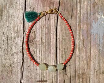 tender Bohoarmband with silk tassel and jade nuggets