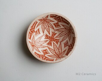 """Ceramic plate """"Flora"""", cannabis leaf, Rast, miniature plate, floral ornaments, decorative plate, White plate with leaves"""