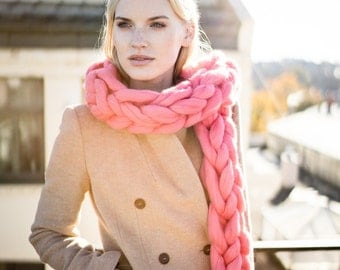 Oversized scarf, giant yarn, arm knit from 100% merino wool, extra warm chunky knit scarf