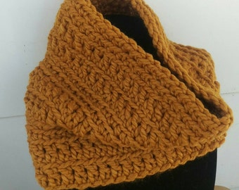 Large Chunky Crochet Cowl (various colors)