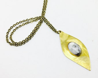 SPACEY EYE NECKLACE (25% Off)