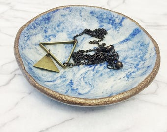 Small cobalt blue tie dyed dish // small dish // jewelry holder dish // clay dish, bowl // blue swirl bowl // tealight candle holder