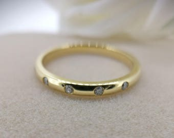 On Sale- 18K Yellow Gold Wedding Band with 0.08 carat diamonds, Bridal Ring, Wedding Ring