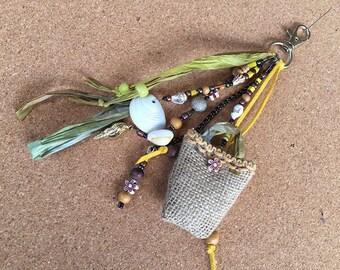 bohemian bag charm /key chain boho / bohemian jewellery/key chain boho / gypsy beach bag charm /gift key charm/ key chain boho tassel