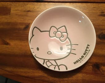 Hello Kitty pink plate
