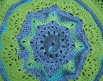 Small round baby blanket in blue and green 90x90cm