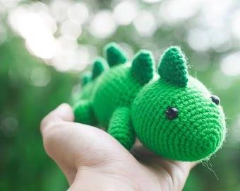 T-rex Amigurumi Plush Doll DIY Crochet Pattern (a terrifyingly cute dinosaur)