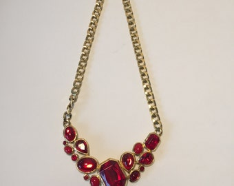 Trifari necklace of vintage 70 years, statement necklace, red stones