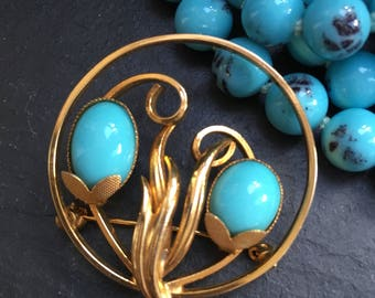 Vintage brooch. Turquoise brooch. Vintage turquoise. Deco style. Deco style brooch. Sarah Coventry style