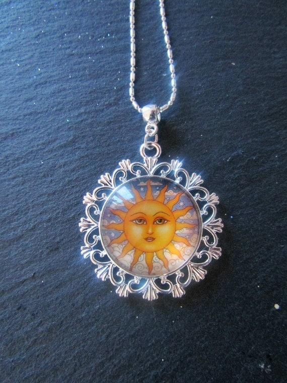 Sun necklace, Boho Chic Necklace, Vintage Sun Necklace, Art Glass Cabochon Necklace, Boho Charm necklace, Statement necklace