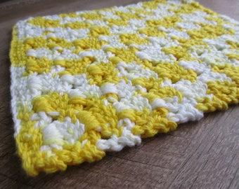 Hand Crochet Washcloth or Dishcloth: Yellow & White