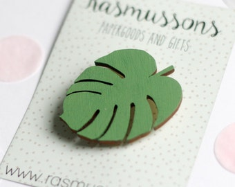 Wooden brooch Monstera leaf