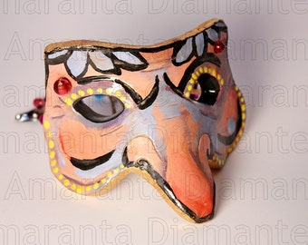 Màskes-Pulcinella Mask floral decoration