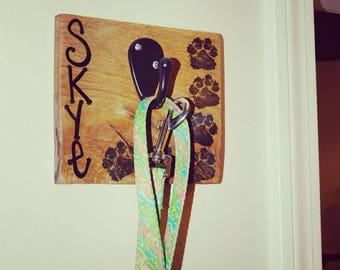 Customized leash hook