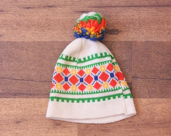 Vintage Pom Pom Hat // 70s Wool Cap Winter Patterned Colorful Woolen
