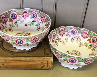 Pair of 19th Century Decorative Bowls with Pink and Green Floral Pattern