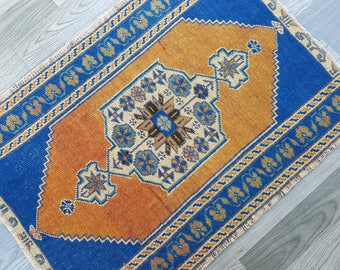 "Oversized center medallion,Vintage Oushak Small RUG,2' x 2'6"" - 60 x 80 cm,Bath mat,Faded color Mat Rug,Entry Decors Rug,low pile Oushak rug"