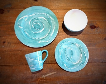 Hand Painted Contrast Dinner Set