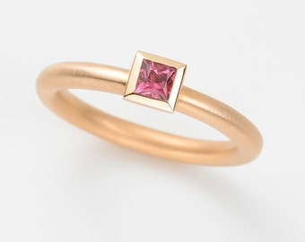Cocktail ring TOURMALINE 18kt rose gold engagement ring, wedding ring, gold ring, statement, stacking ring, Solitaire, princess cut
