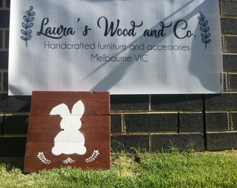 "Rustic wood sign ""Easter bunny"""