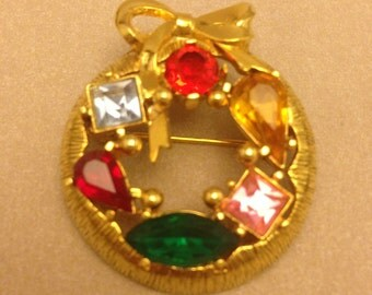 Vintage Jewel Wreath Pin / Brooch