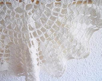 Beautiful crochet doily Cotton handmade lace white doily vintage style
