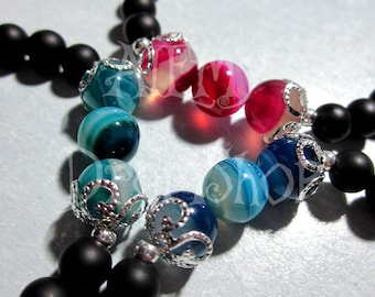 Bracelets in GENUINE STONES, available in pink, green and blue!
