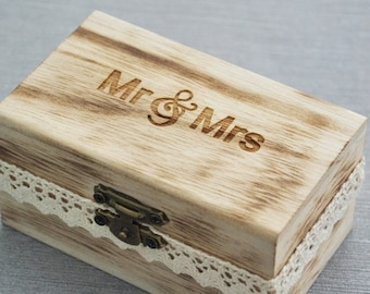 Mr and Mrs ring box , Rustic Wedding Ring Bearer Box, Wood Wedding Ring Box, wedding box for rings