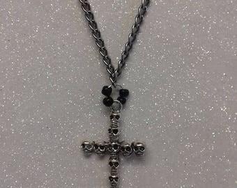 Silver cross chain skull design/gothic chain