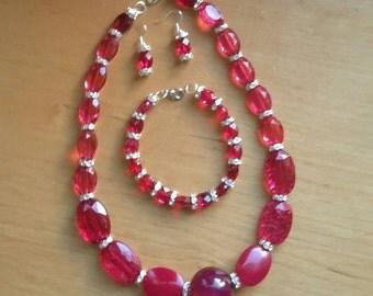 Pink jewellery set