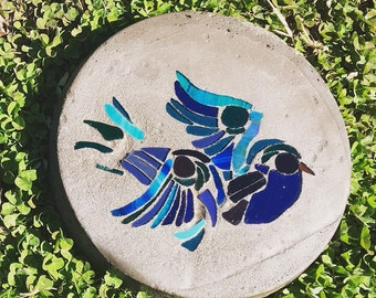 Bird stepping stone