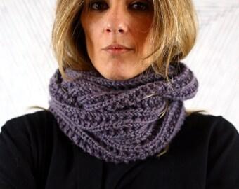 Grey wool snood I Cozy neck warmer I Double looped cowl I Wool infinity cowl I Chunky infinity scarf