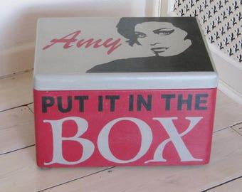 Amy Winehouse, storage box