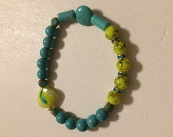 Bracelet pucks lime and turquoise.