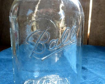 Ball Mason Jar, Clear, With Zinc Lid, Vintage