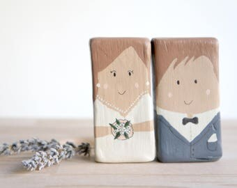Bride and groom, wedding couple / Marriage, boyfriends, cake toppers