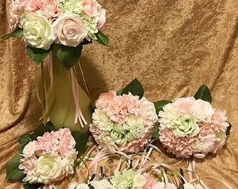 Spring colours pastel shades bridal wedding bouquet set// Dusty pink, pale green, ivory and white roses and dahlias//bridal bouquet flowers