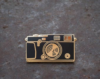 Camera Enamel Pin - THE RANGEFINDER - Gold