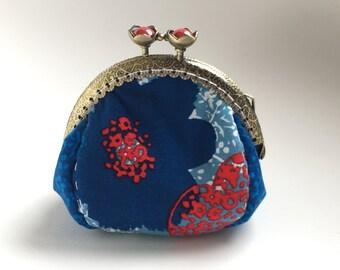 metal frame coin purse, vintage coin purse , flower coin purse, kisslock coin purse
