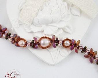 Bracelet pattern Topaz flowers iridescent and freshwater pearls, vintage/Iridescent topaz flower bracelet and freshwater pearls, vintage