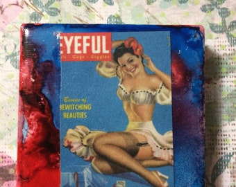 Red and blue pin up magnetic