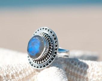 Rainbow Labradorite Ring ~ Gemstone ~ Natural ~ Sterling Silver 925 ~ Jewelry ~ Handmade ~February Birthstone ~Statement ~Gift for Her MR031