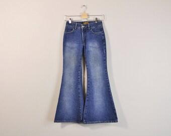 Bell Bottom Jeans, Vintage 90s Bell Bottoms, 90s Flared Jeans, Mid Rise Jeans, 90s Flared Denim, Mid Rise Flared, Denim Bell Bottoms Size 0