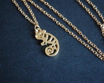 Gold tone chameleon necklace lizard gecko