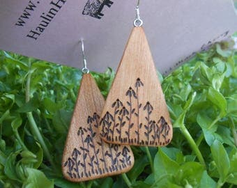 Wooden earrings/cherry wood earrings/wood burned earrings/triangular earrings/sustainable earrings/earthy earrings/natural earrings/ artsy