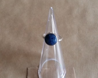 silver ring with lapis lazuli size 17