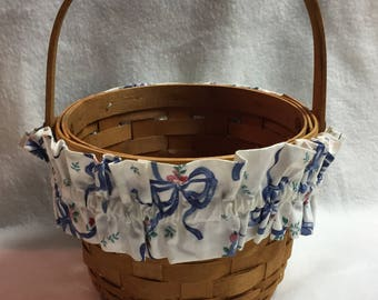 Longaberger 1992 Basket with Blue and Cream Fabric Rim Liner and Moveable Wood Handle (#011)