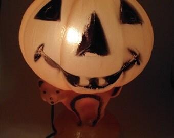 Vintage Halloween Plastic Blow Mold Light Jack O Lantern Pumpkin on top of Cat Lantern WORKS