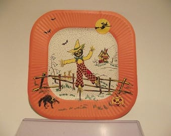Set of 7 Vintage Halloween paper party plate scarecrow witch black cat bats 1950's
